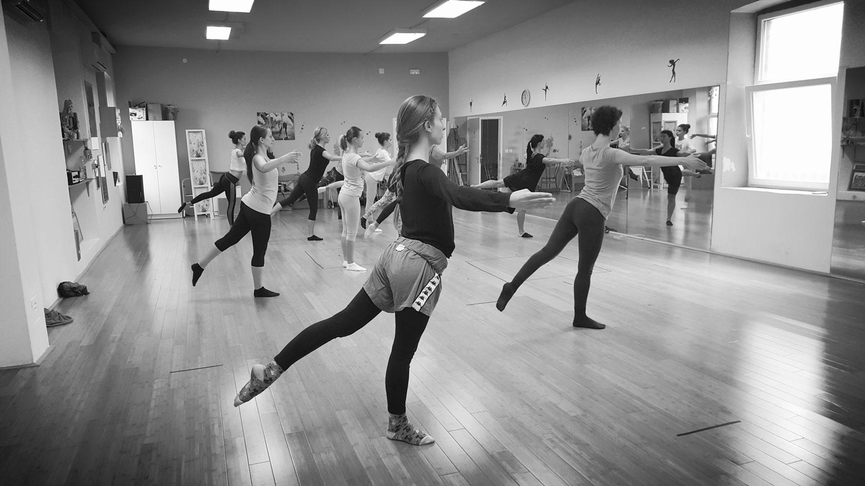 Autumn workshop tour 2015 m for 1234 get on dance floor